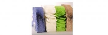 Papierhandtücher und Rollen